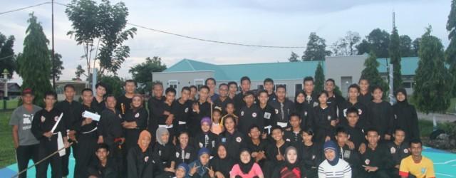 PEMALI : Puluhan atlet dari 7 perguruan pencak silat bersilaturahmi dan latihan bersama dengan Persaudaraan Setia Hati Terate (PSHT) Cabang Bangka, kemarin (7/5). Kedatangan pesilat...